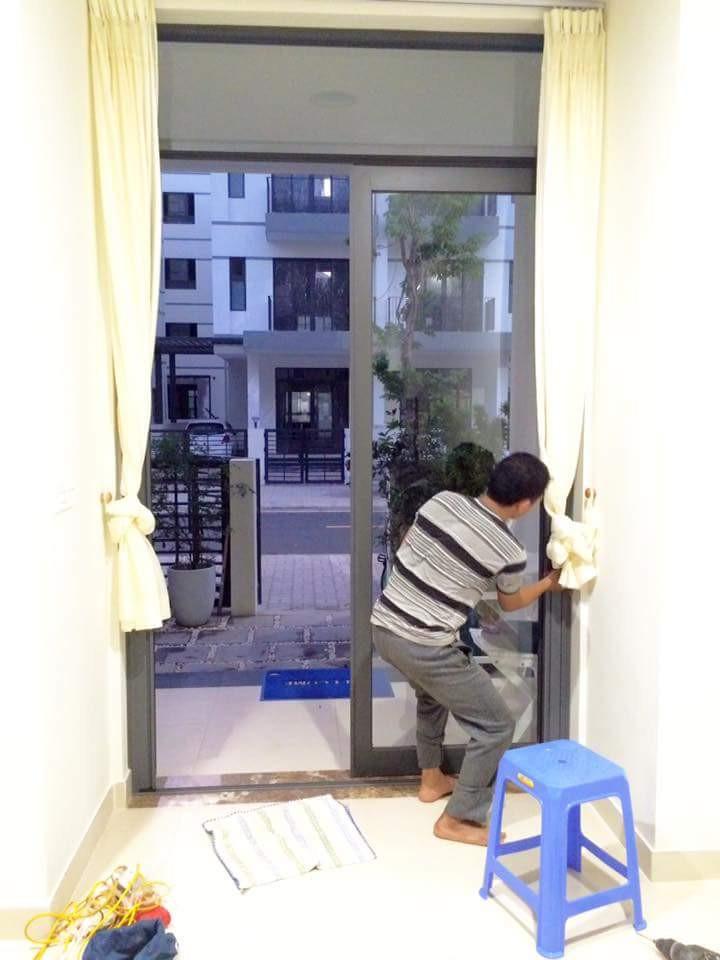 Công ty cửa lưới Nữ Hoàng công trình anh Cường ở khu biệt thự Vinhome Thăng Long, quận Long Biên, Hà Nội